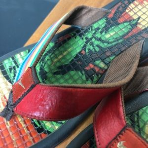 Nike Shoes - Nike rainbow flip flop sandals thong tropical 8